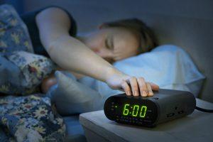 目覚まし時計 デジタルアナログ