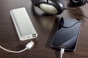 小型モバイルバッテリー おすすめ メーカー